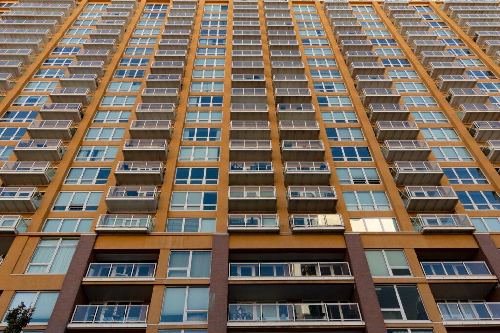 остекление балкона в квартире