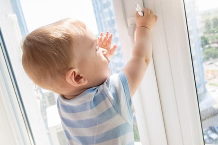 окна безопасные для ребенка