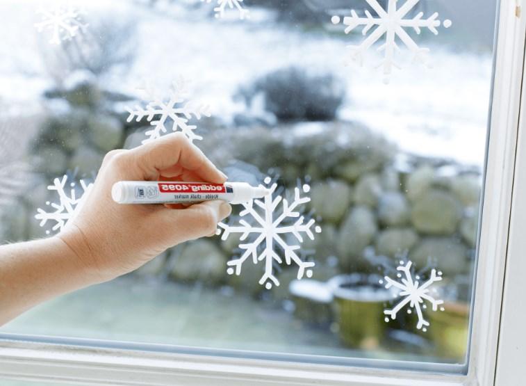 маркером для рисования на окне